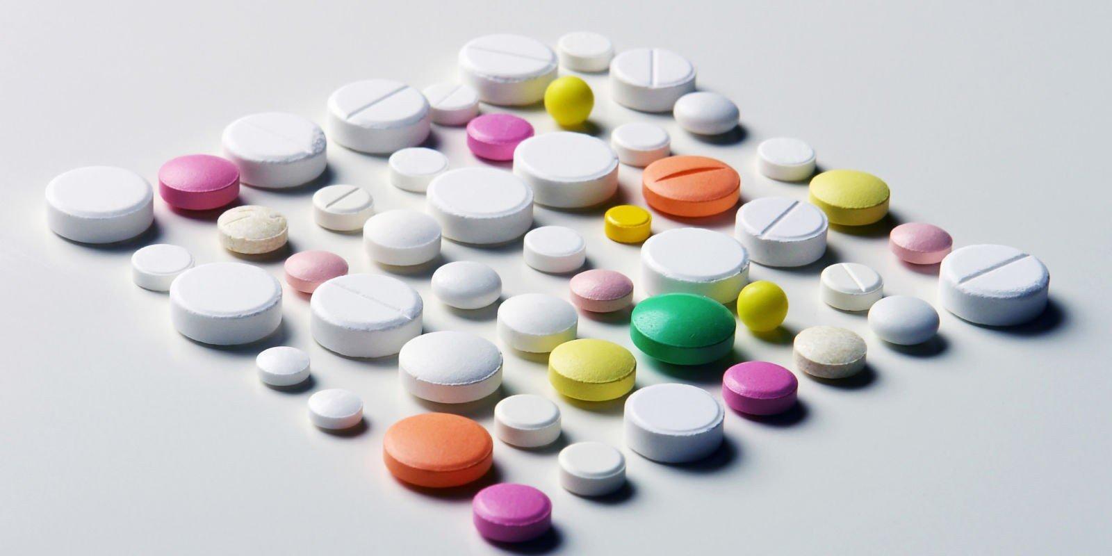 Антибиотики при простуде для взрослых и детей. Антибиотики при ОРВИ, гриппе, насморке